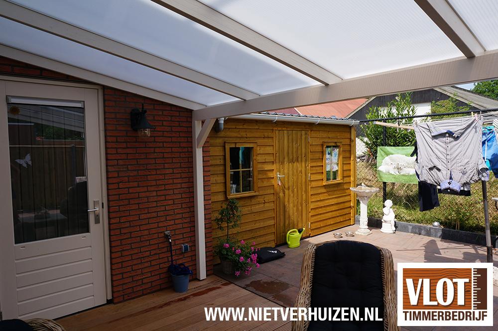Tuinhuisje van Zweeds rabat